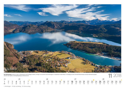 Der Walchensee<br>leuchtet an den in Oberbayern recht häufigen, klaren, sonnigen und warmen Novembertagen in majestätisch tiefem Blau. Im Vordergrund die Ortschaft Walchensee und die Halbinsel Zwergern, dahinter die Gipfel von Mangfallgebirge und Karwendel.